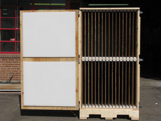 Two sided crate with hexacomb dividers