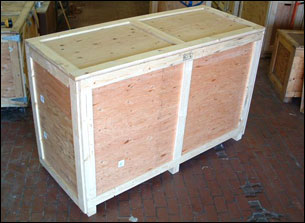 Storage Crate with latching lid